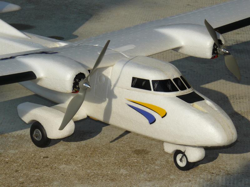 Magnifique maquette d'une moto style chopper, détails réaliste, très belle